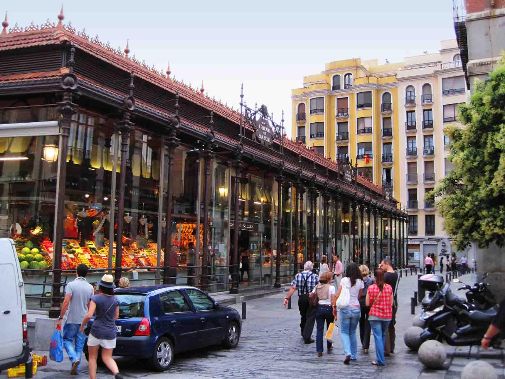 Mercado de san miguel near plaza mayor madrid - Mercado de navidad en madrid ...