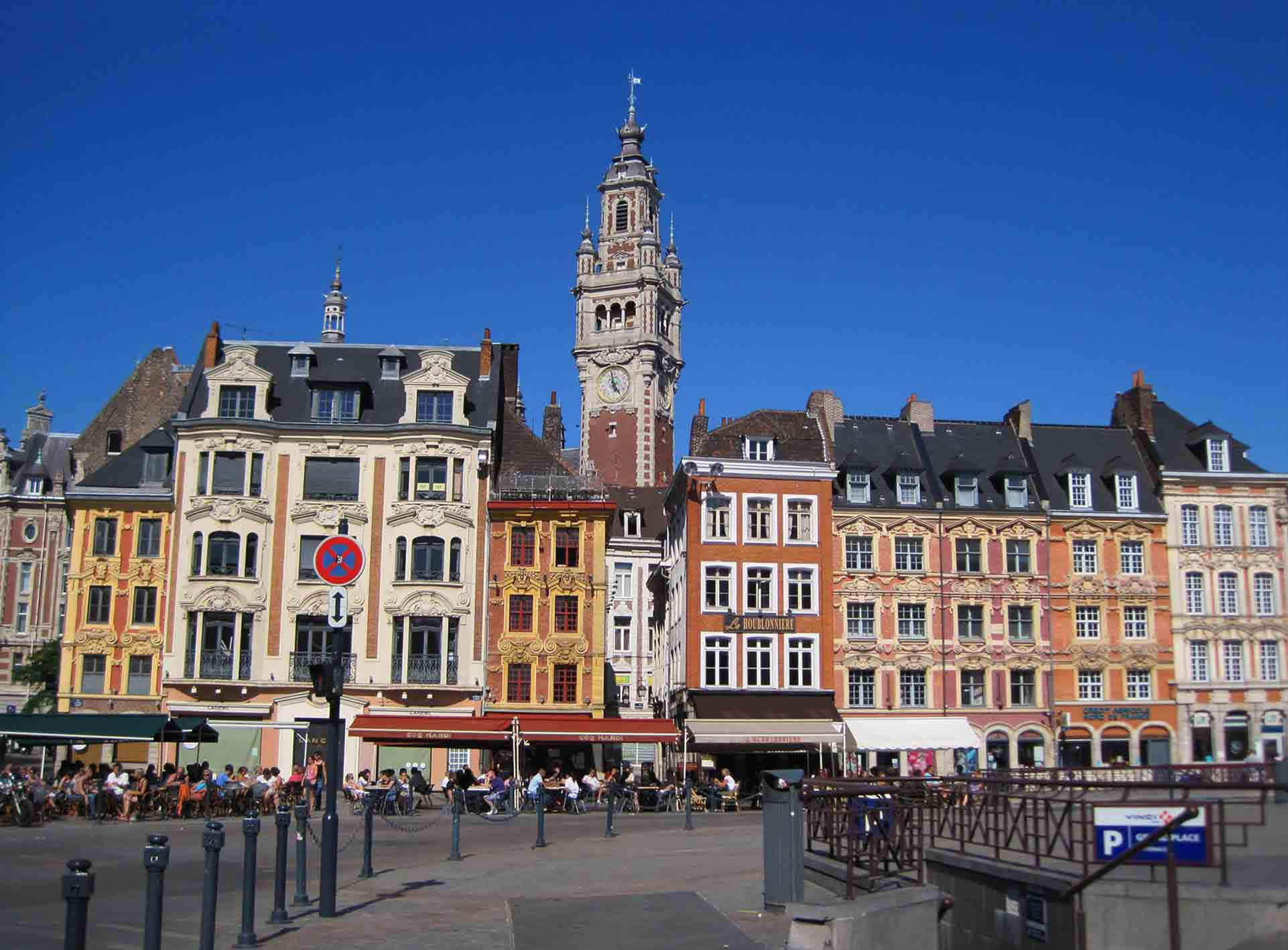 place du g n ral de gaulle lille france. Black Bedroom Furniture Sets. Home Design Ideas